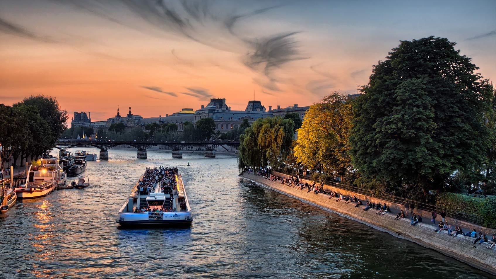 Париж прогулка на теплоходе