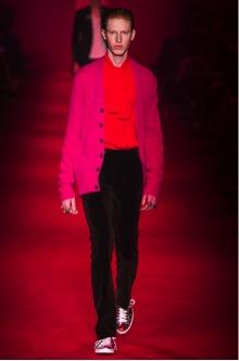 Коллекция Gucci 2016 розовый пиджак