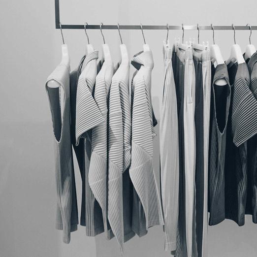 как складывать одежду по методу Мари Кондо