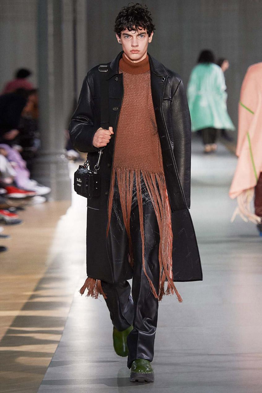 черное мужское пальто из кожи Acne Studios