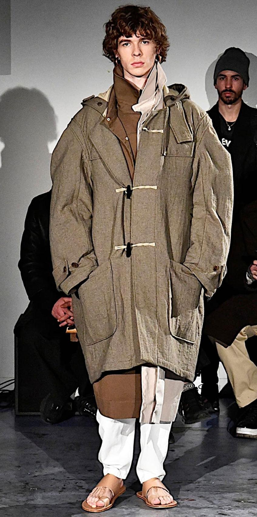 мужское пальто дафлкот Hed Mayner