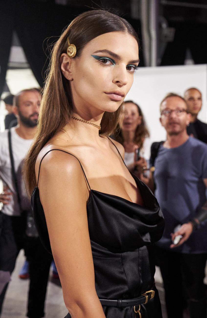 заколка невидимка Versace