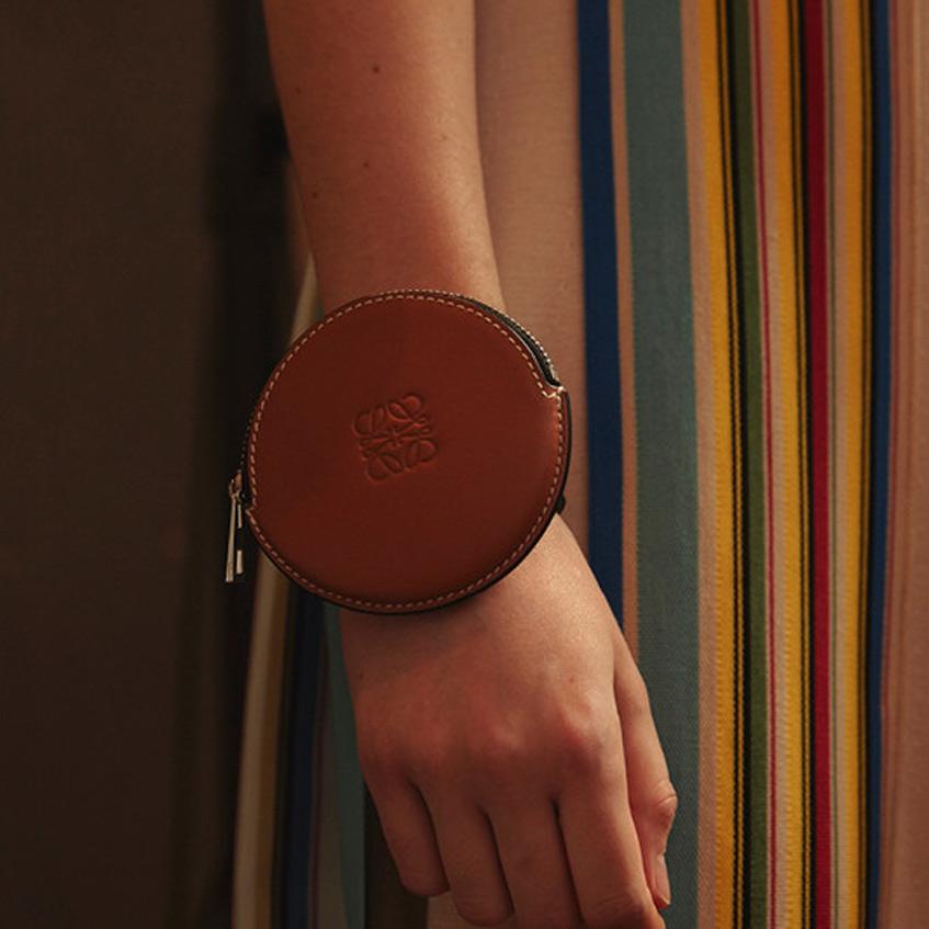 сумка-браслет Loewe