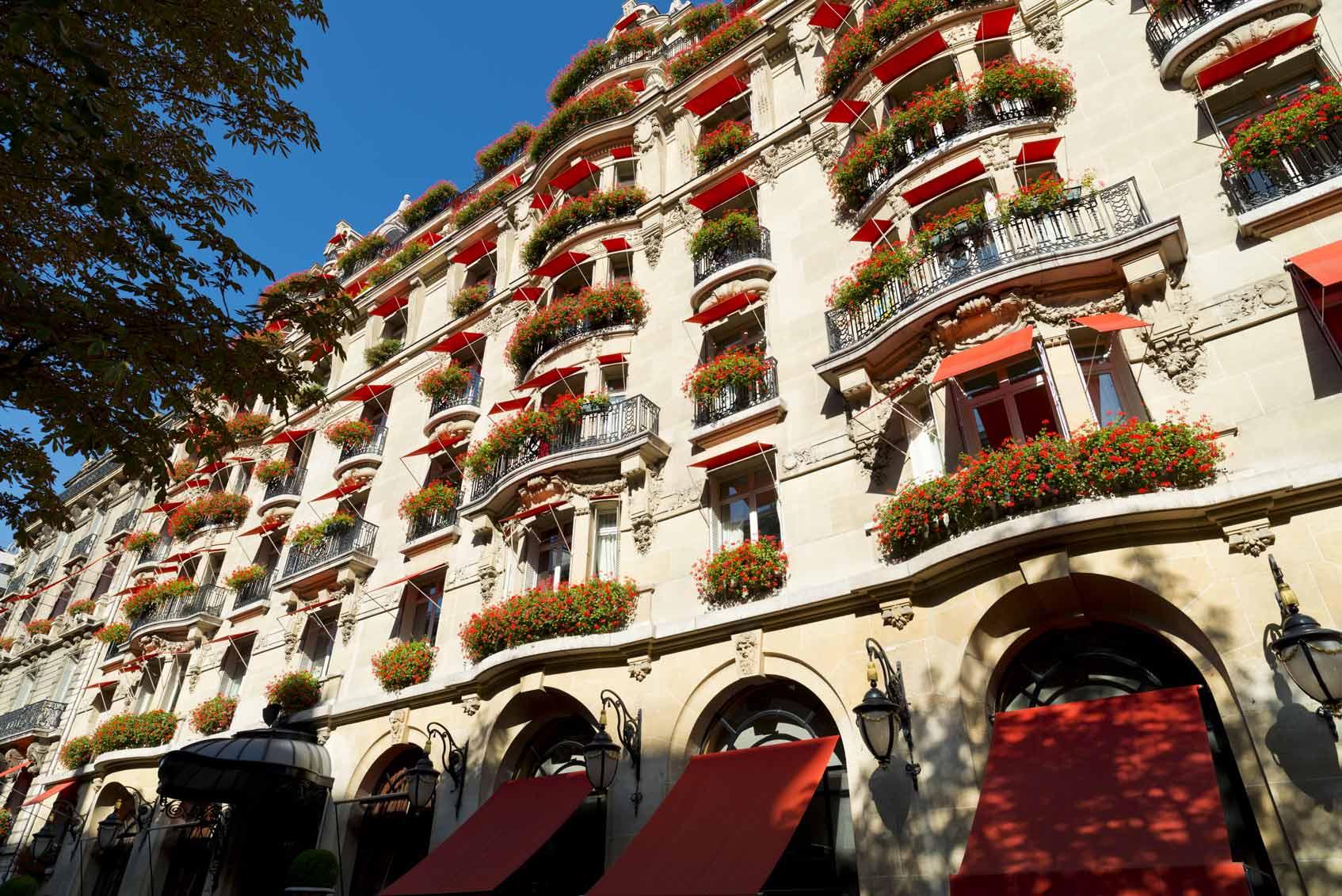 отель Париж вид на Эйфелеву башню