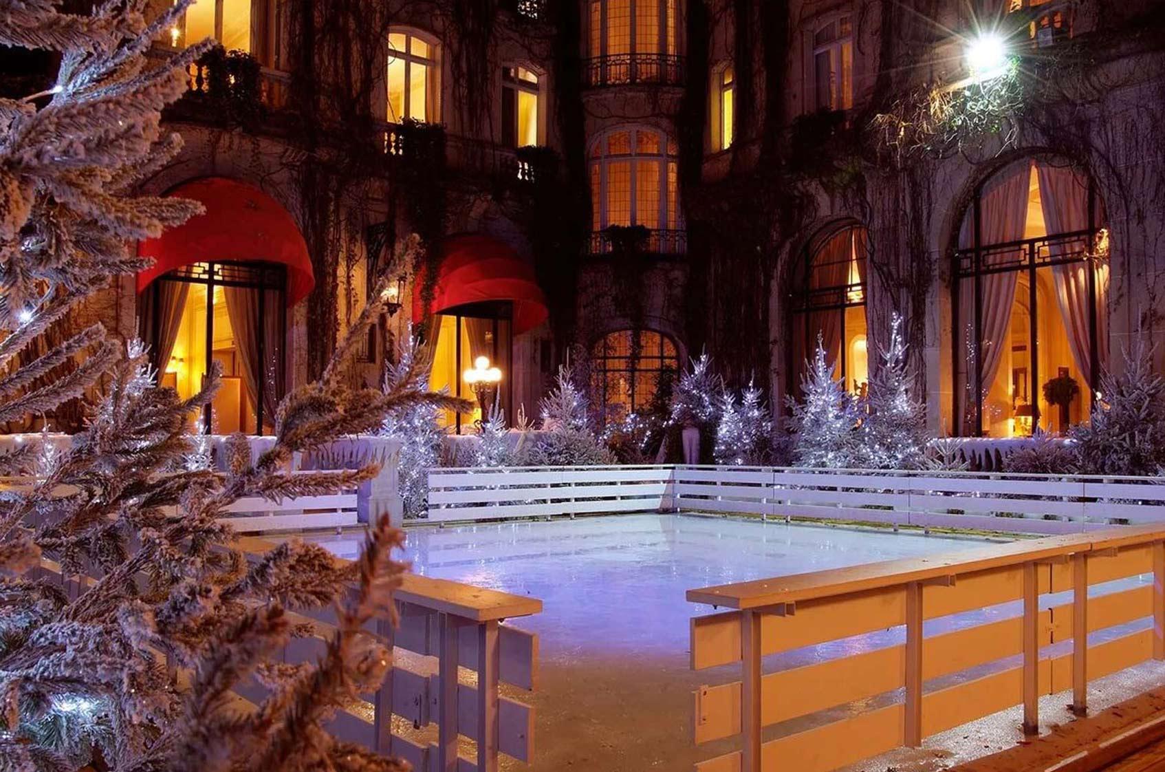Hôtel Plaza Athénée париж каток
