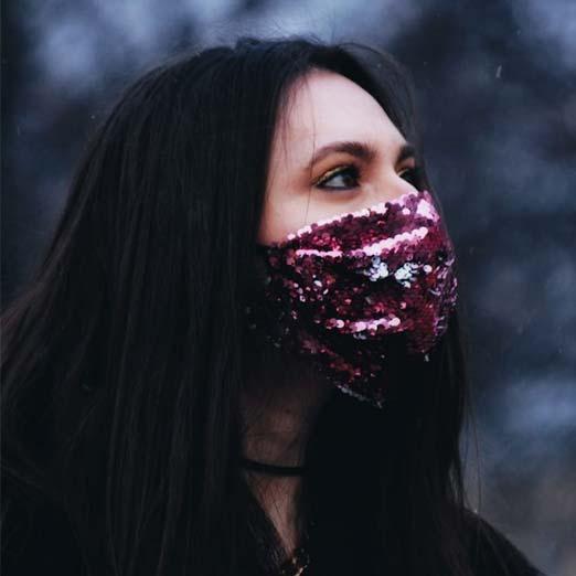 красивая маска от коронавируса