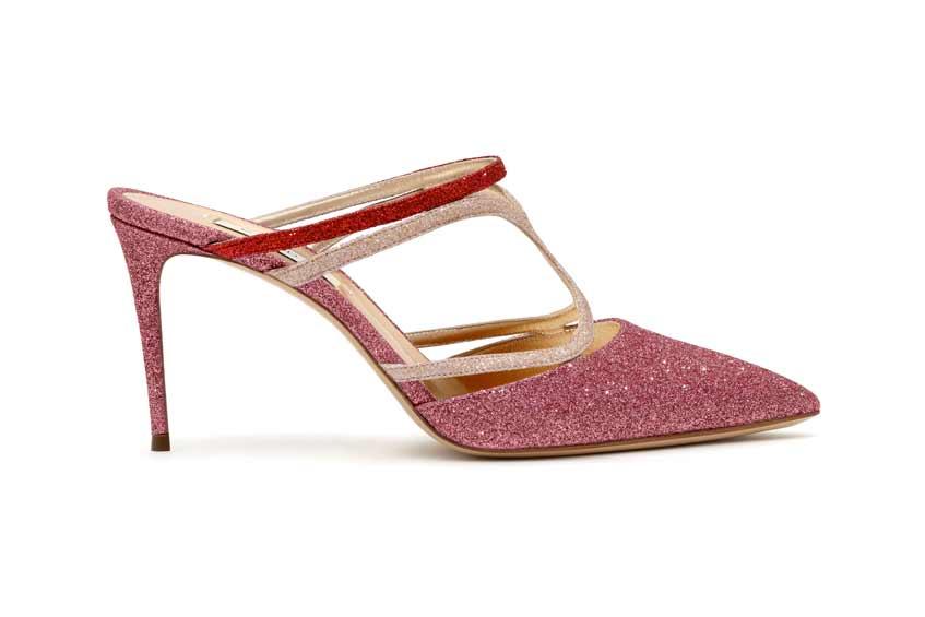 розовые туфли с блестками на невысоком каблуке
