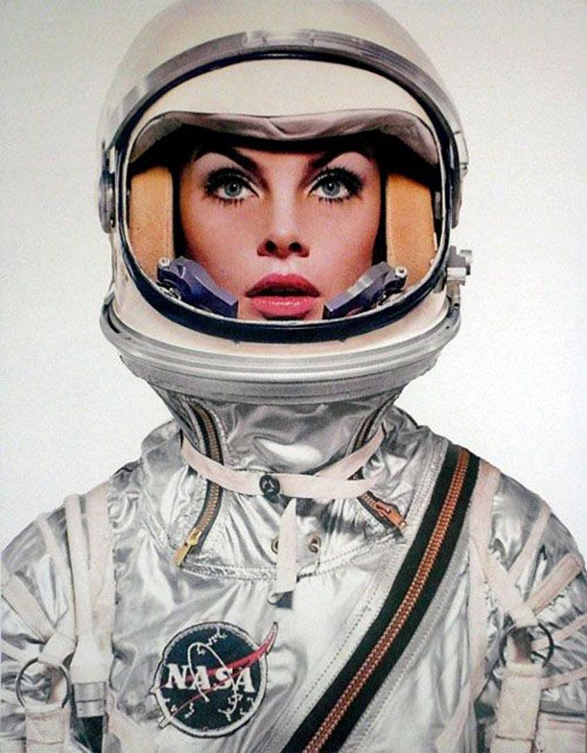 Тема космоса в одежде