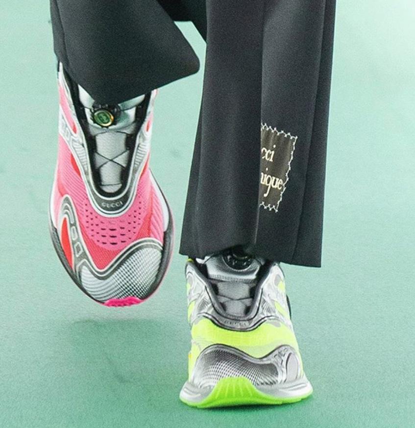 разноцветные кроссовки Gucci