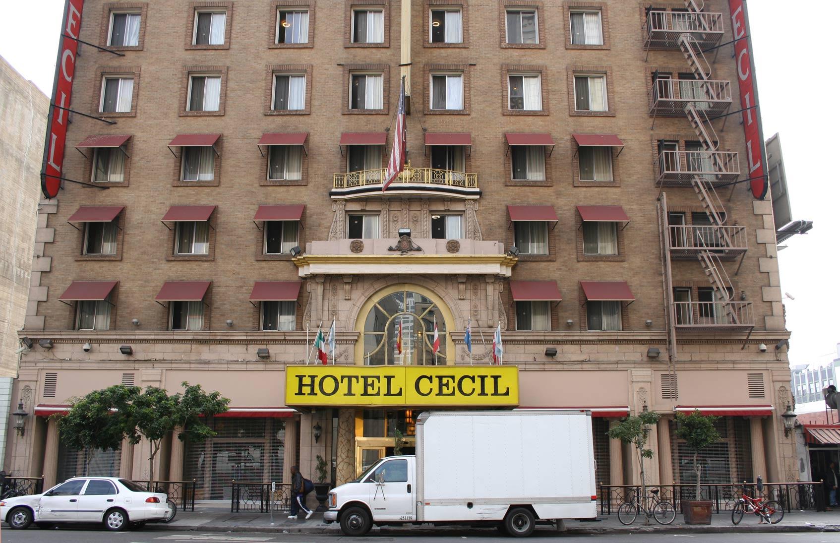 загадочный отель Cecil
