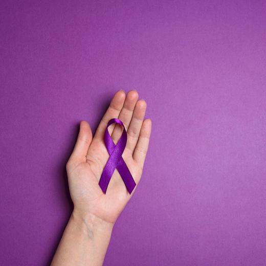 Mixit и «Насилию.нет» помогут жертвам