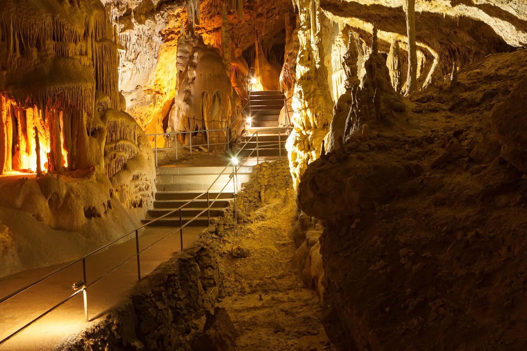 крым мраморная пещера