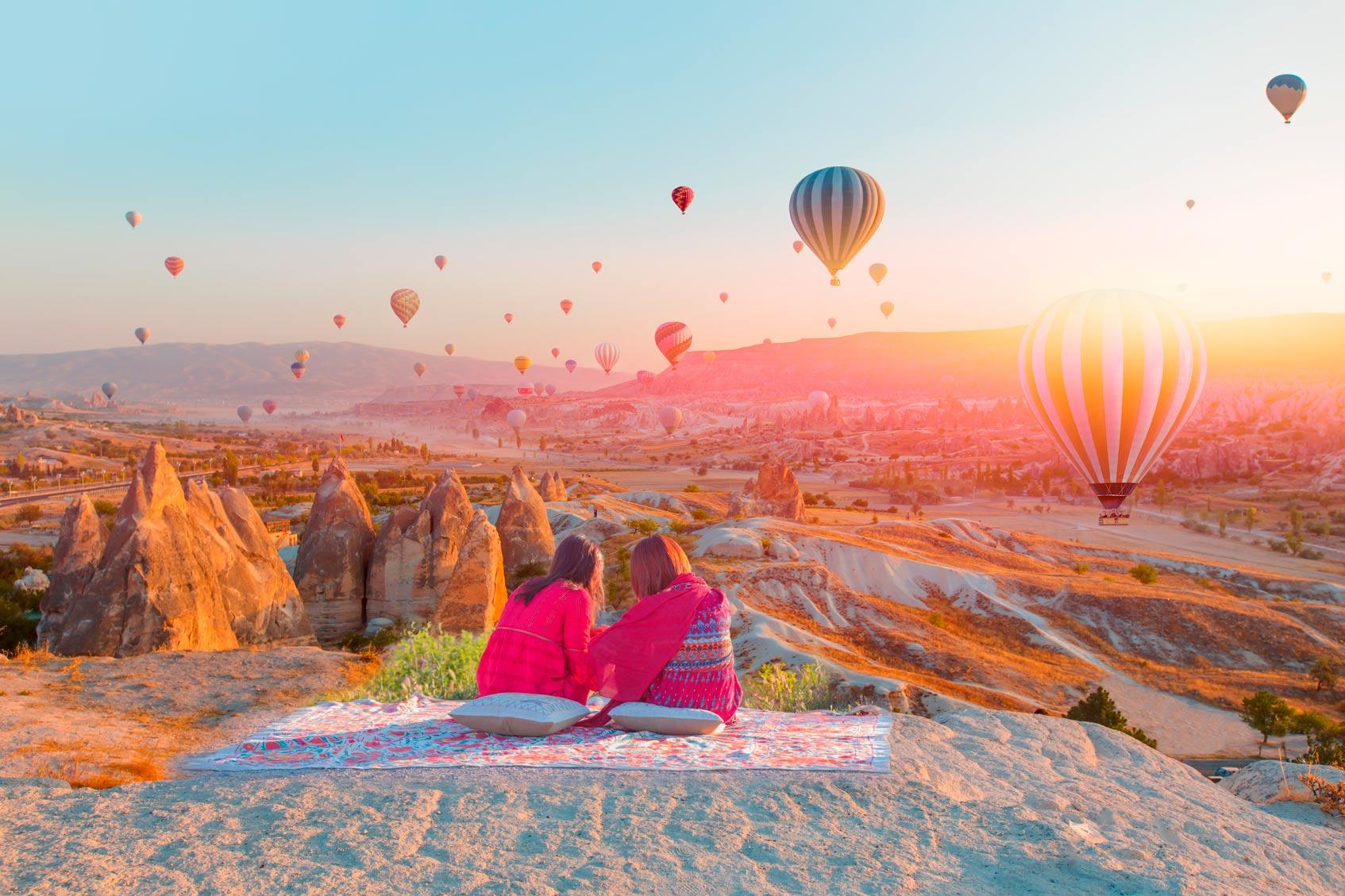 воздушные шары на холме каппадокии
