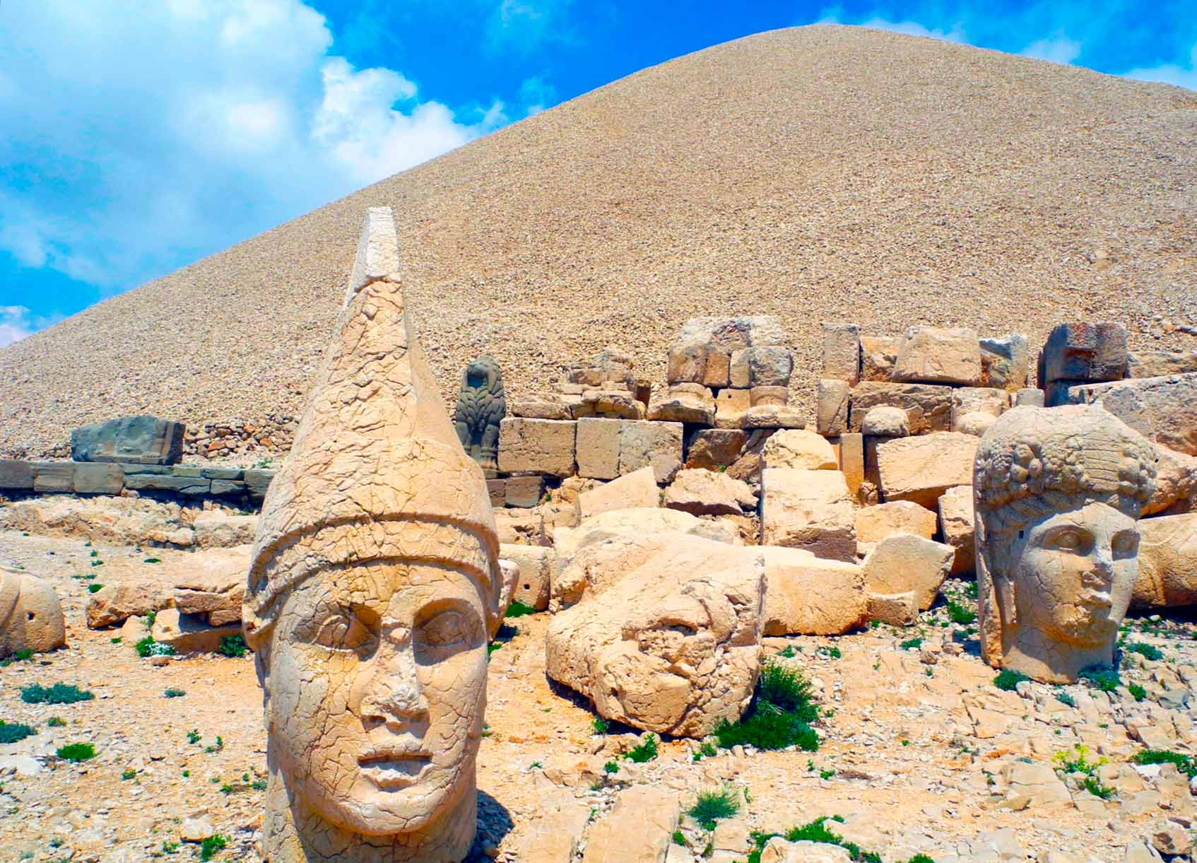 Гробница Антиоха I Теоса Коммагинского на горе Немрут