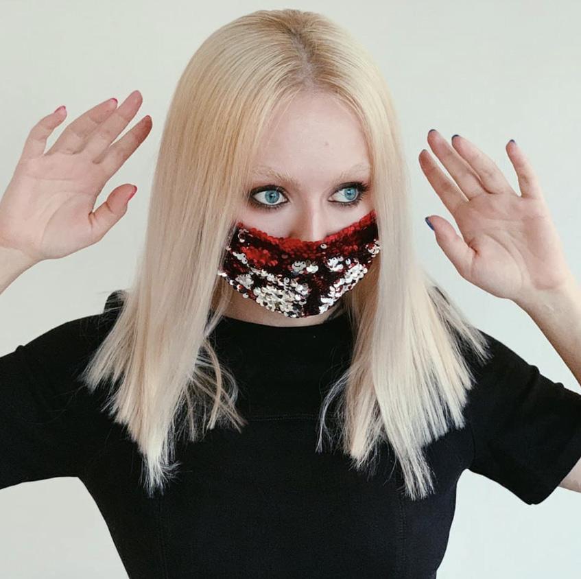 стильная маска от коронавируса