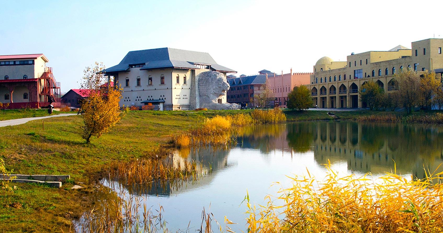 Этнические отели парка «Этномир»