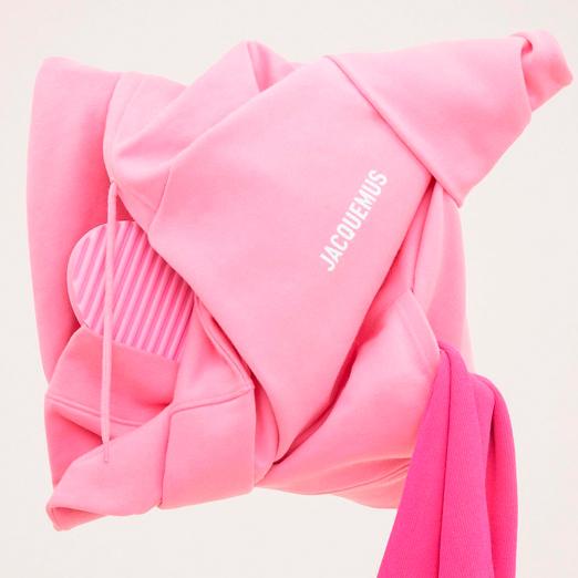 Новая рождественская коллекция в розовом цвете от Jacquemus