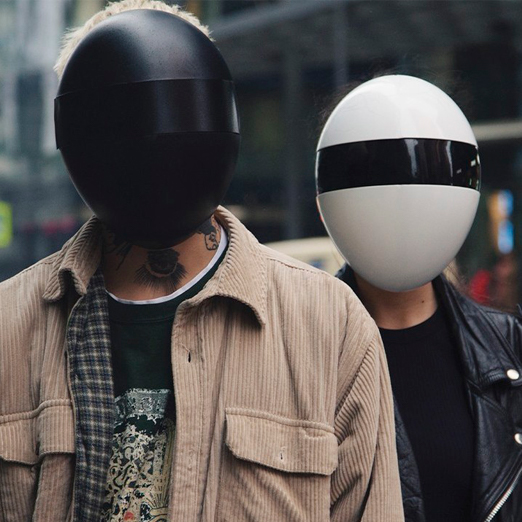Компания Blanc выпустила маску-щит, похожую на шлем дуэта Daft Punk