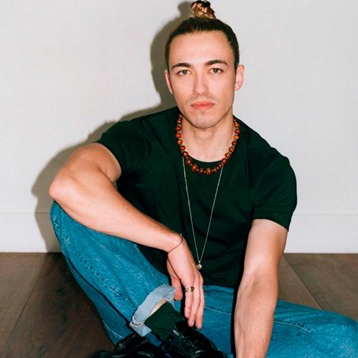 Бывший дизайнер Gucci запускает свой люксовый бренд