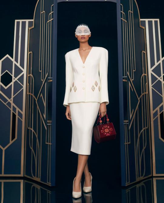 Ulyana Sergeenko на неделе моды в париже