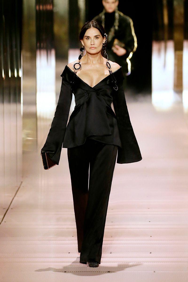 неделя моды в париже Fendi