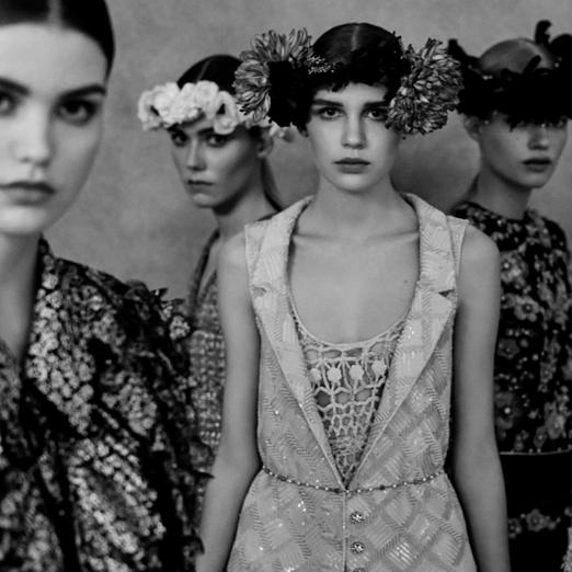Chanel показал тизеры весенне-летней кутюрной коллекции