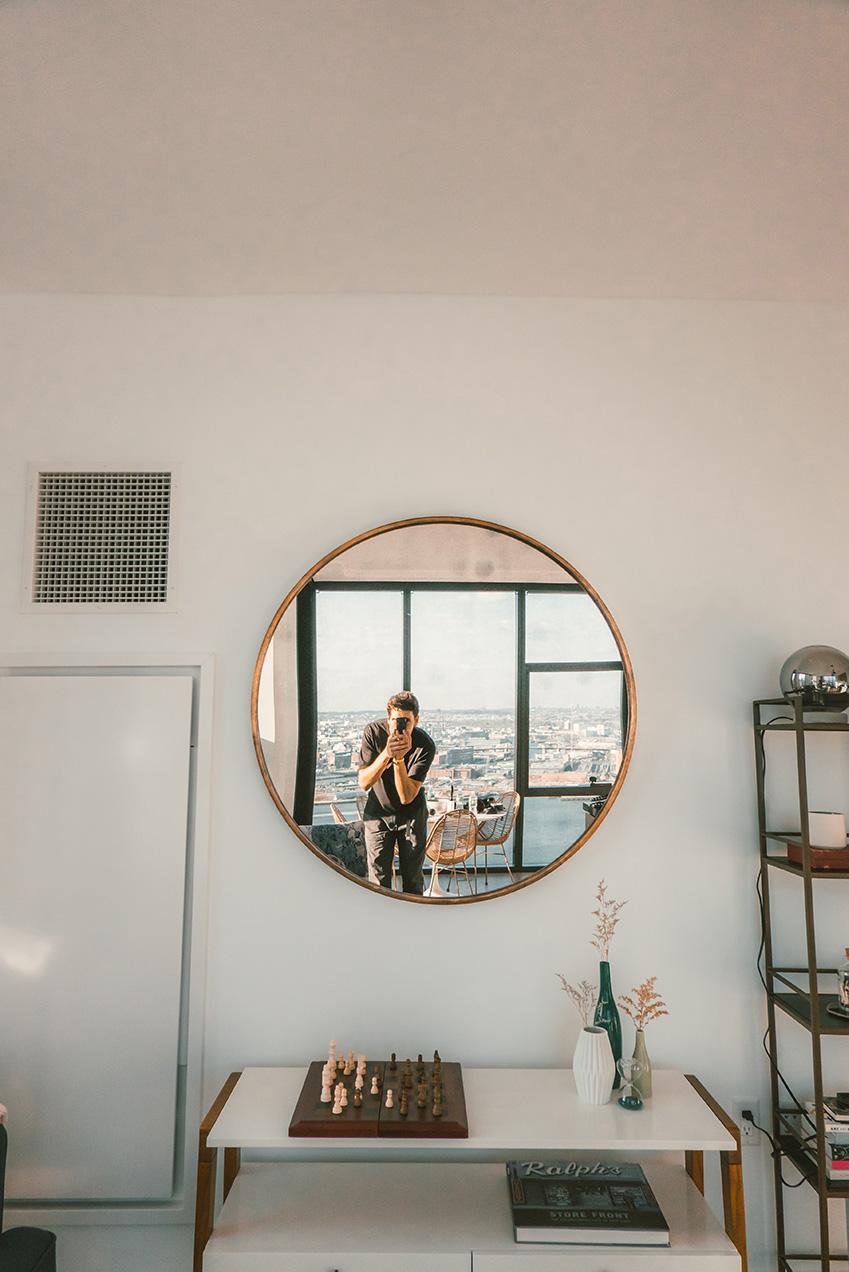 какие зеркала купить в спальню