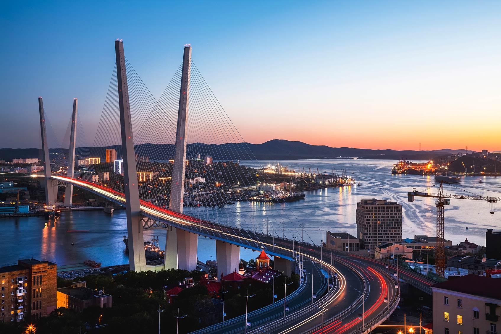 Панорама Владивостока на закате