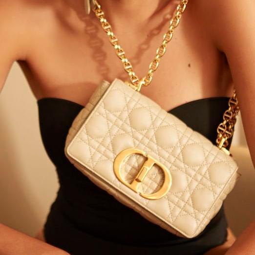 Dior стал самым популярным модным брендом в соцсетях
