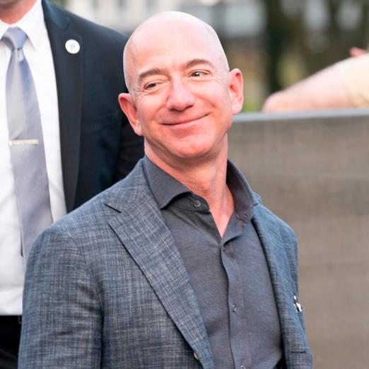 Джефф Безос уходит с должности генерального директора Amazon