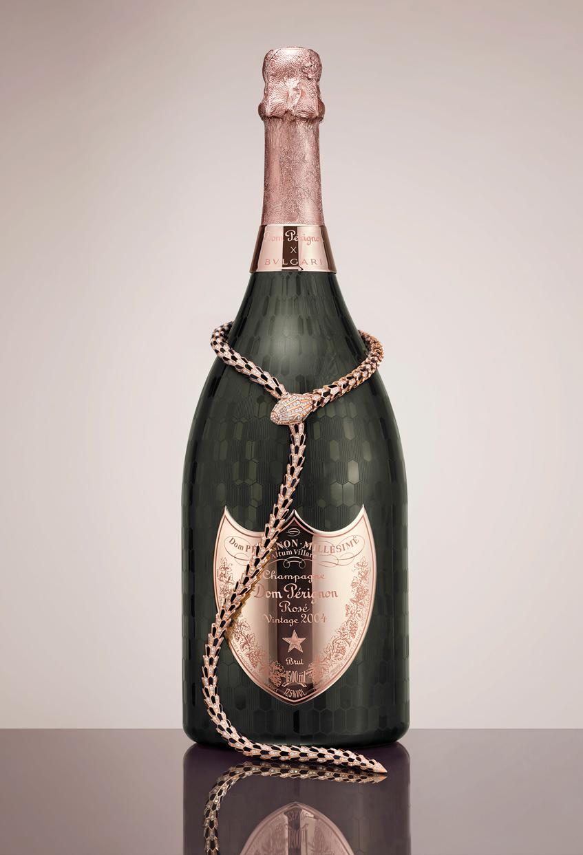 бутылка вина Bvlgari и Dom Pérignon
