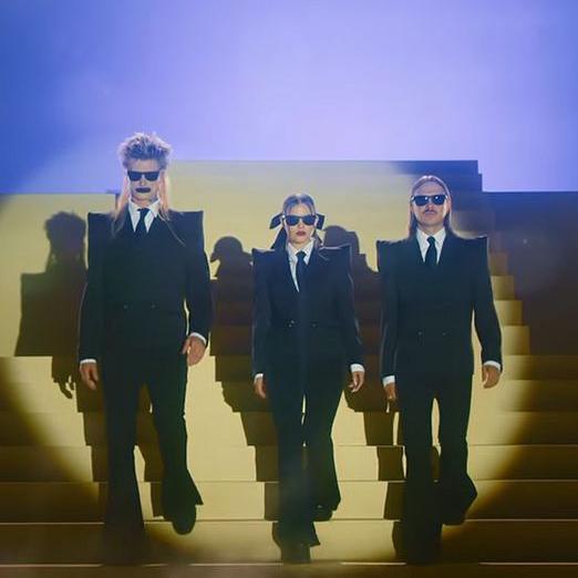 Группа Little Big выпустила клип на песню Sex Machine