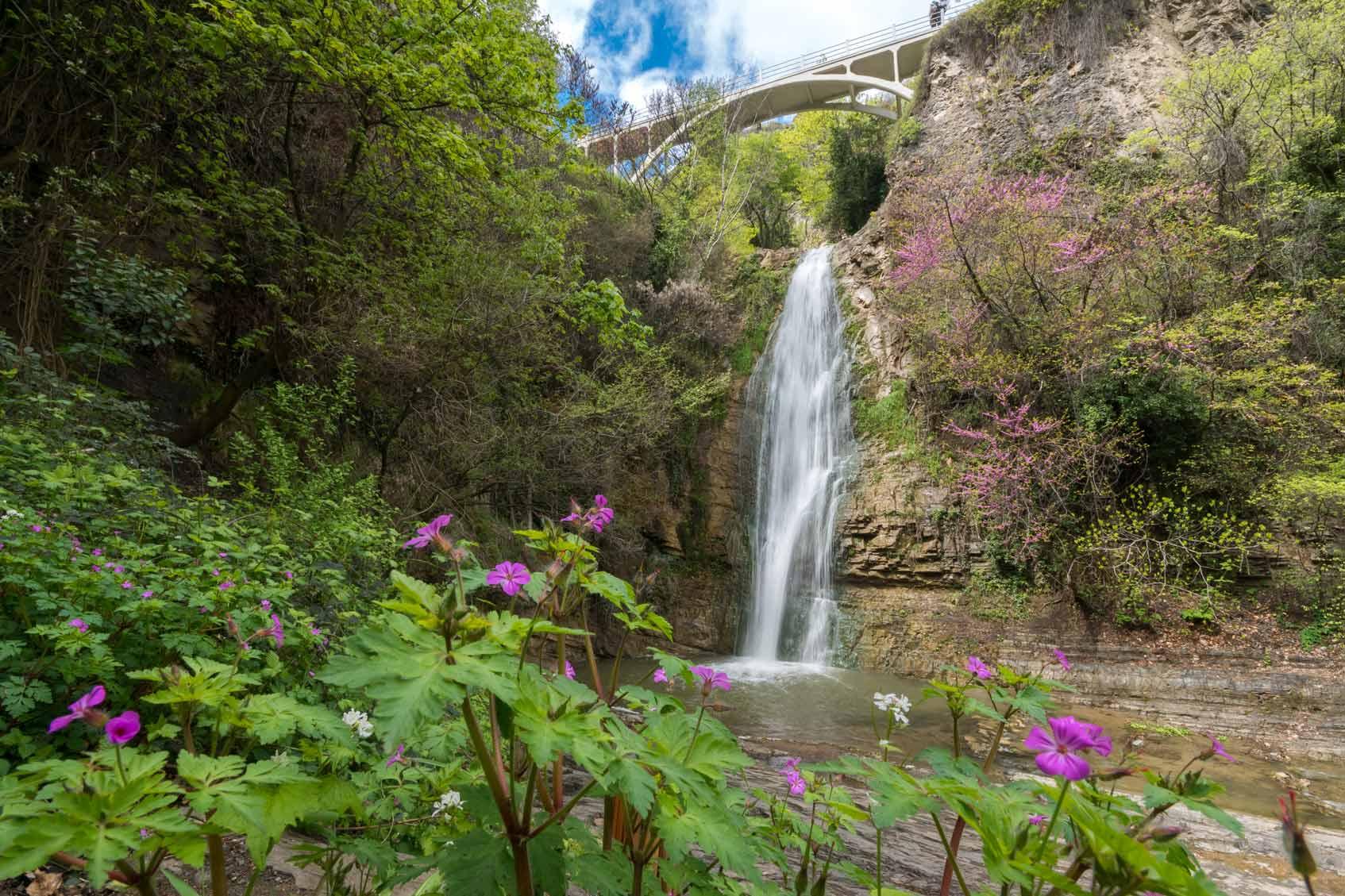 водопад тбилиси