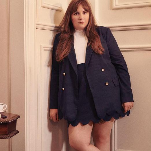 Актриса Лина Данэм создала плюс-сайз одежду