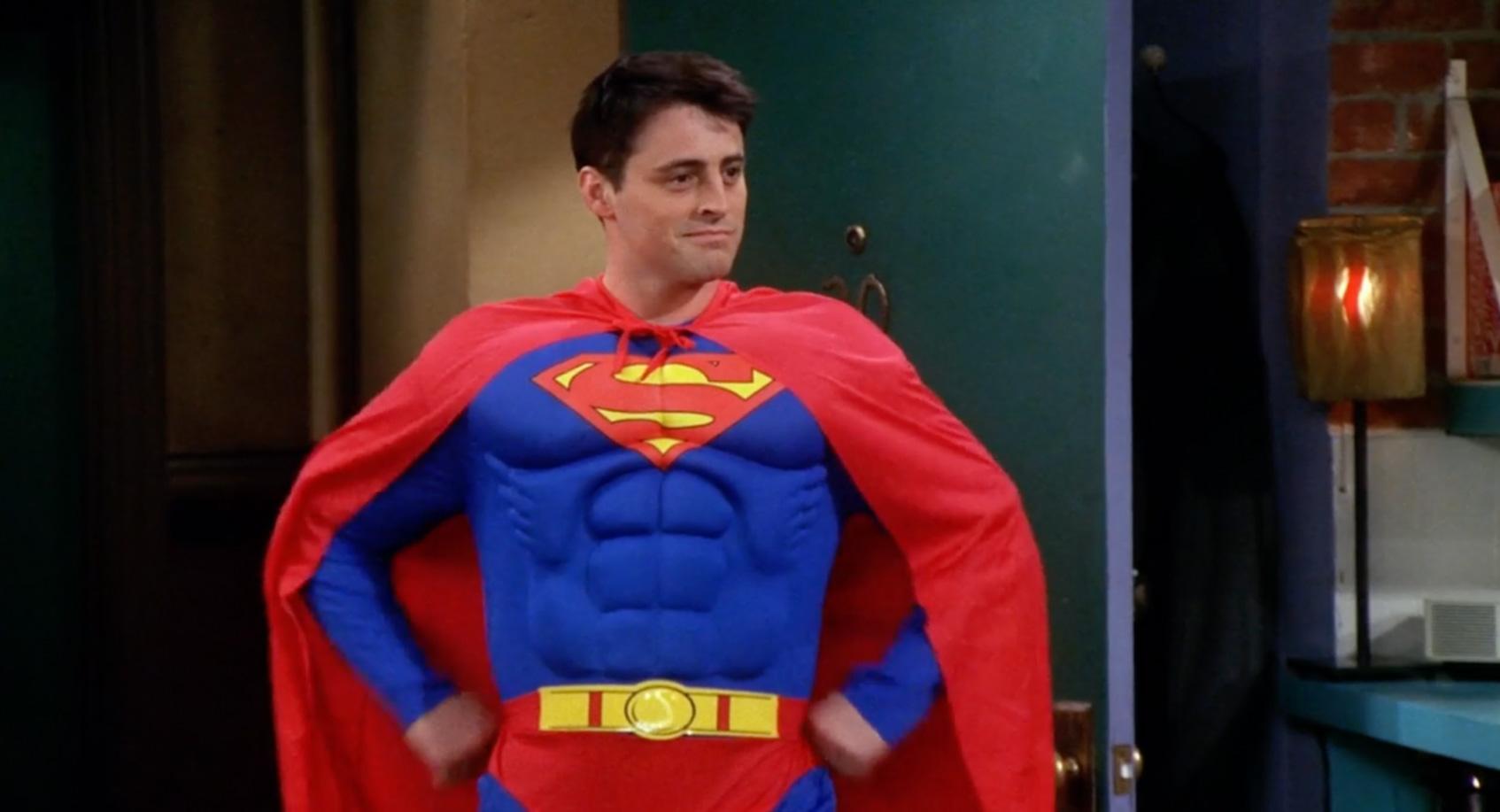 джо в костюме супермена