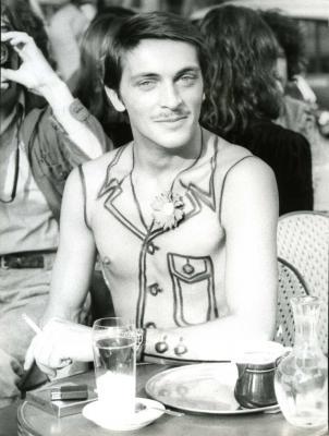 """Юноша в """"костюме"""" Рубена Торреса, 1973 год"""